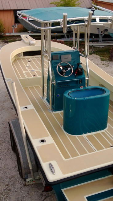 Tampa flats boat for Fish livewell for boat